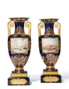 Vases en porcelaine de Sèvres acquis en 2012 grâce à l'Association des Amis du Musée Louis-Philippe